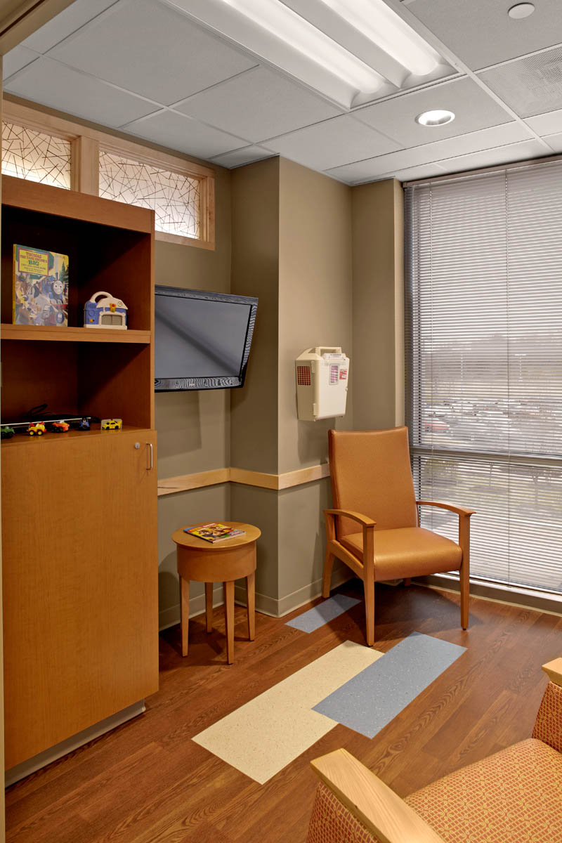 Gi Room Design: Riley Children's Specialists GI & Infusion Center